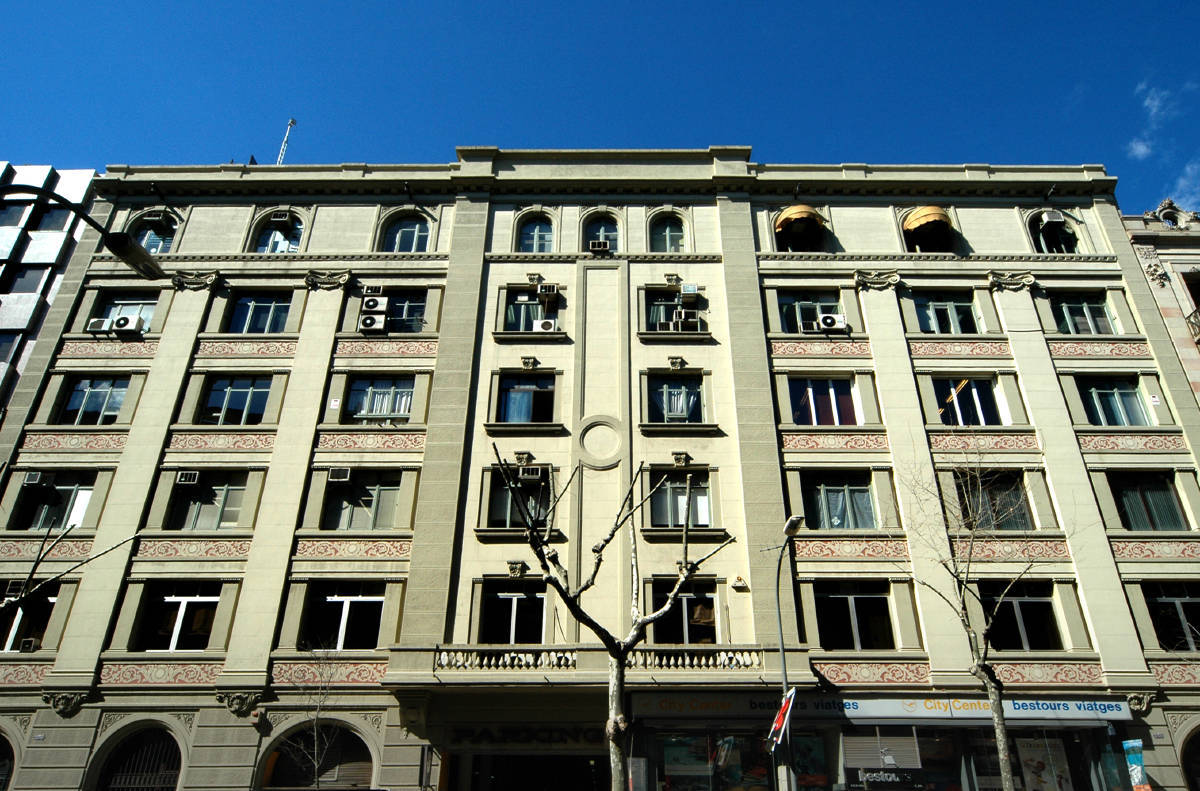 321 edificio de oficinas diputaci 239 247 barcelona for Oficina king barcelona