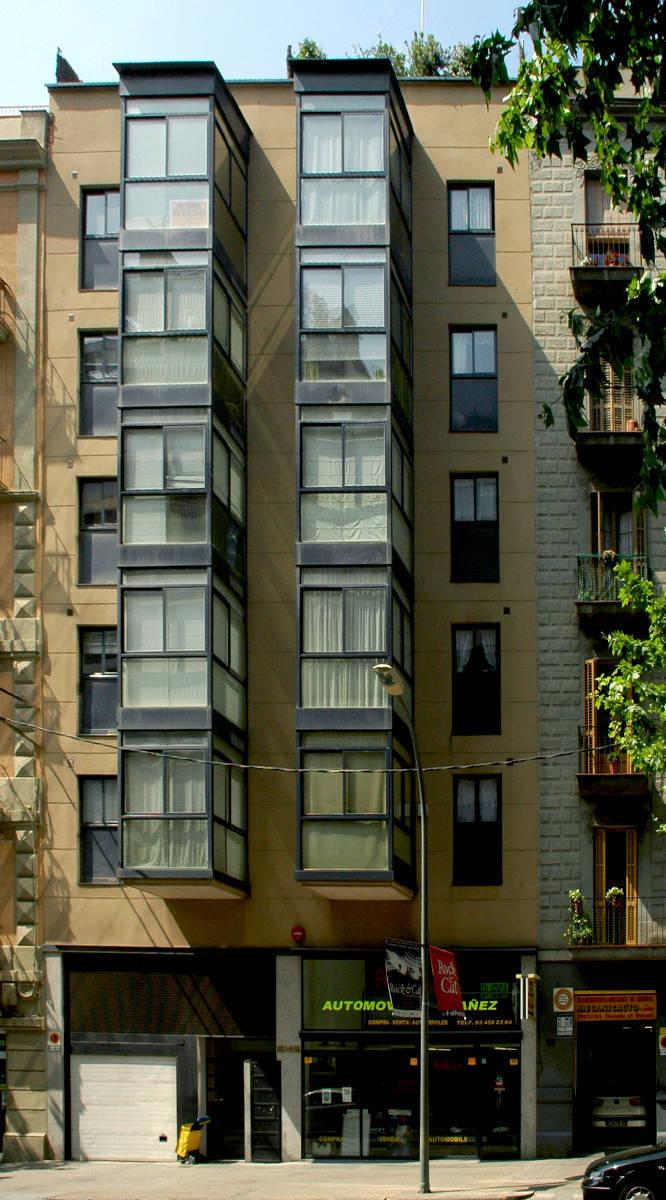 320 casas baratas sardenya 253 barcelona enric for Casas baratas en barcelona